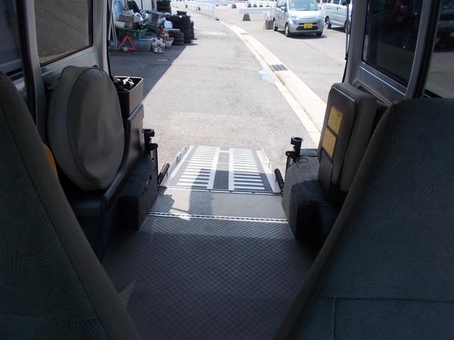 AUTECH 福祉車両 車椅子移動車(17枚目)