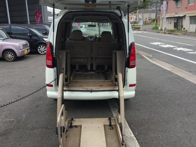 車椅子移動車 福祉車両 リフト(10枚目)