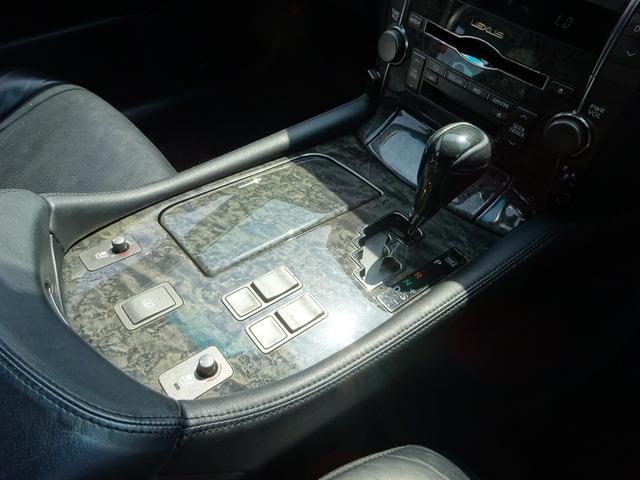 レクサス LS LS460 バージョンS サンルーフ 黒革エアシート 純ナビ