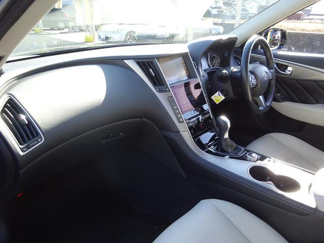 前オーナーさんが大切に乗っていたお車、直接仕入れていますので車内もとてもキレイですよ〜♪