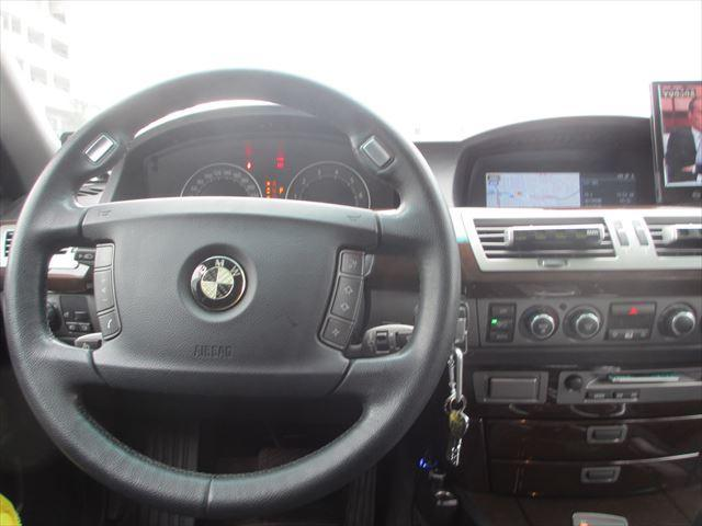 BMW BMW 740i サンルーフ フルセグナビ 左ハンドル バックカメラ