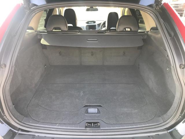 T6 SE AWD 4WD HDDナビ サイド&バックカメラ ETC スマートキー 電動リアゲート パワーシート 18インチアルミホイール(11枚目)