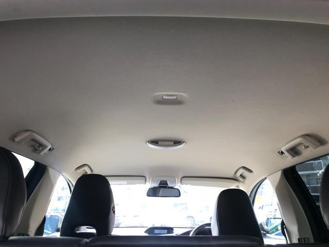 T6 SE AWD 4WD HDDナビ サイド&バックカメラ ETC スマートキー 電動リアゲート パワーシート 18インチアルミホイール(12枚目)