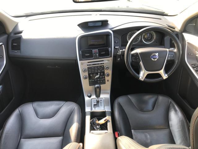 T6 SE AWD 4WD HDDナビ サイド&バックカメラ ETC スマートキー 電動リアゲート パワーシート 18インチアルミホイール(13枚目)