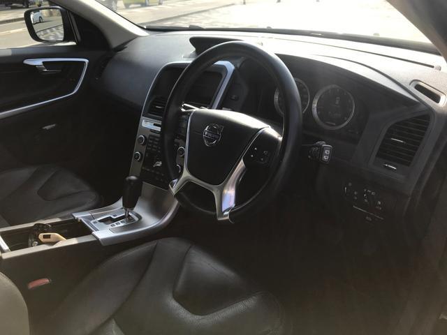 T6 SE AWD 4WD HDDナビ サイド&バックカメラ ETC スマートキー 電動リアゲート パワーシート 18インチアルミホイール(26枚目)