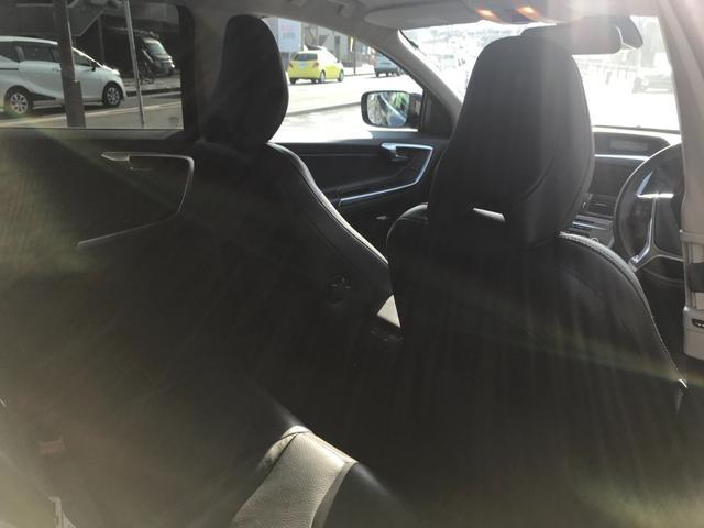 T6 SE AWD 4WD HDDナビ サイド&バックカメラ ETC スマートキー 電動リアゲート パワーシート 18インチアルミホイール(29枚目)