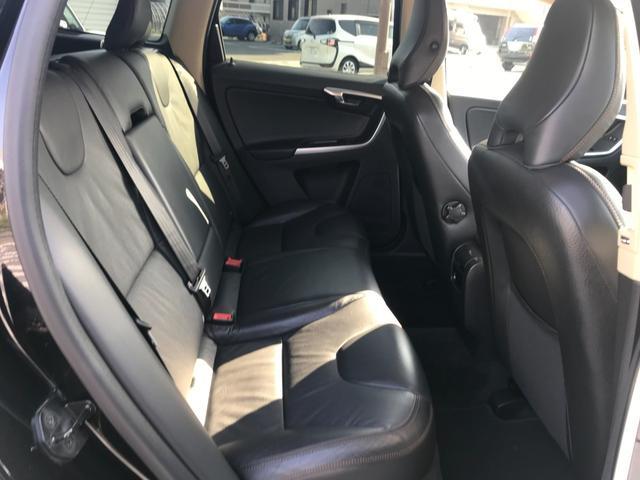 T6 SE AWD 4WD HDDナビ サイド&バックカメラ ETC スマートキー 電動リアゲート パワーシート 18インチアルミホイール(30枚目)