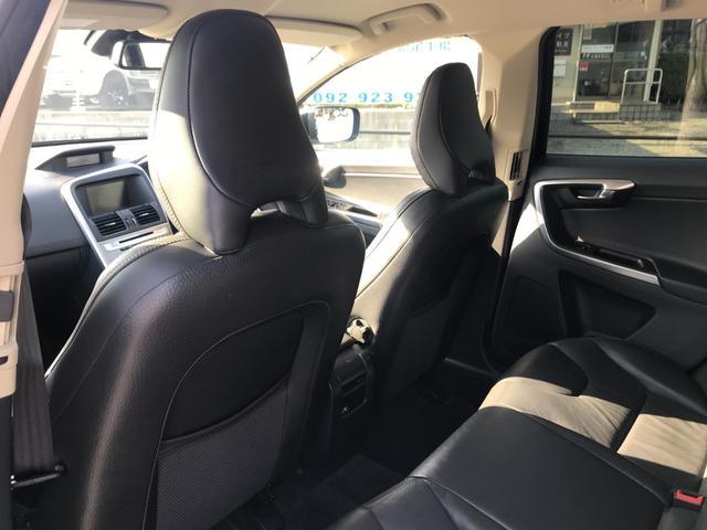 T6 SE AWD 4WD HDDナビ サイド&バックカメラ ETC スマートキー 電動リアゲート パワーシート 18インチアルミホイール(32枚目)