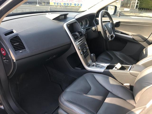 T6 SE AWD 4WD HDDナビ サイド&バックカメラ ETC スマートキー 電動リアゲート パワーシート 18インチアルミホイール(35枚目)
