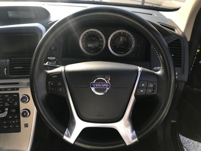 T6 SE AWD 4WD HDDナビ サイド&バックカメラ ETC スマートキー 電動リアゲート パワーシート 18インチアルミホイール(41枚目)