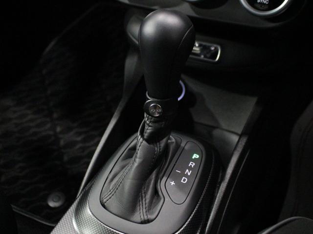 セーフティパッケージ 150台限定車 社外ナビ 新車保証継承(10枚目)