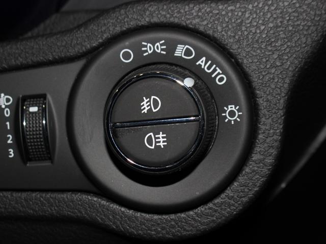 セーフティパッケージ 150台限定車 社外ナビ 新車保証継承(12枚目)