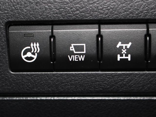 【ステアリングヒーター】寒い日でもステアリングヒーターがあれば、運転中に手がかじかむことはありません。手袋をすると操作しにくいボタンも、ステアリングヒーターがあれば素手でも暖かく運転でき快適です。