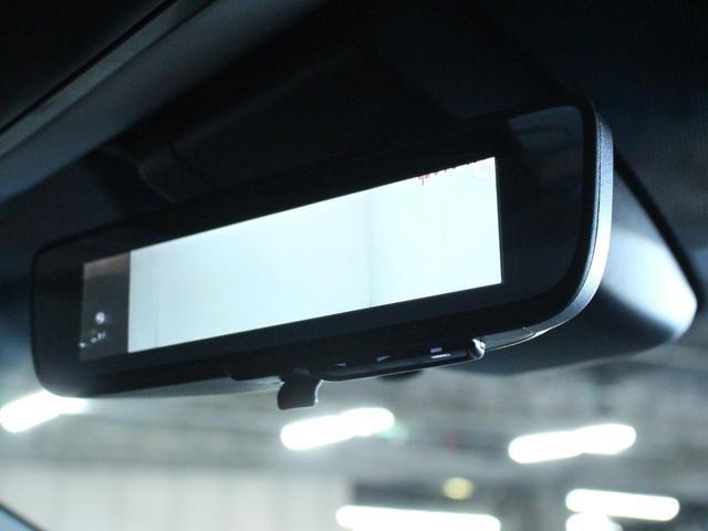 【車両接近通報装置】車外にスピーカーが設置され、モーターの疑似音を出すことにより歩行者などに車の接近を知らせます。