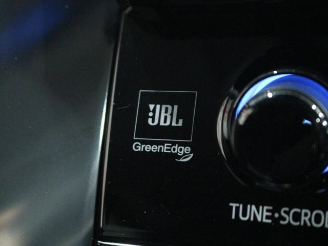 【オートライト】車外の明るさによって自動でライトが点灯。ライトの点け忘れや消し忘れを防ぐことができます。