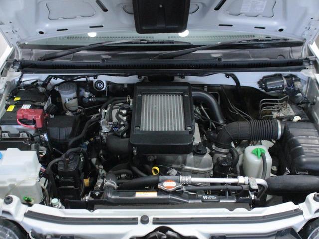 【エンジン型式】K6A【種類】水冷直列3気筒DOHC12バルブICターボ【過給機】IC付きターボ【JC08モード燃費】13.6km/L【10モード/10・15モード燃費】14.8km/L ※カタログ値