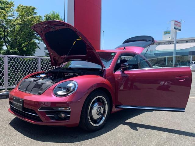 ハッシュタグピンクビートル ワンオーナー 禁煙車 ディーラー車 300台限定車 純正SDナビ フルセグ 全周囲カメラ クルーズコントロール 衝突被害軽減 BSM 社外ドライブレコーダー HIDライト オートライト 17AW(17枚目)