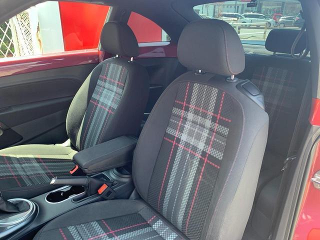 ハッシュタグピンクビートル ワンオーナー 禁煙車 ディーラー車 300台限定車 純正SDナビ フルセグ 全周囲カメラ クルーズコントロール 衝突被害軽減 BSM 社外ドライブレコーダー HIDライト オートライト 17AW(20枚目)