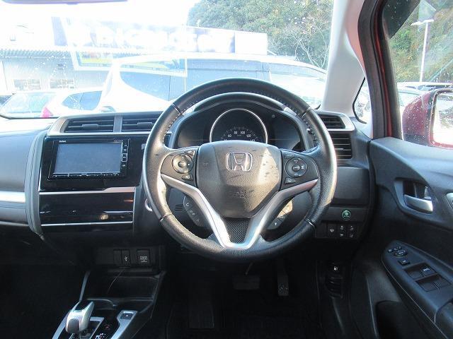 ハイブリッド・Lホンダセンシング 社外 7インチ メモリーナビ/シート ハーフレザー/ヘッドランプ LED/ETC/EBD付ABS/横滑り防止装置/アイドリングストップ/TV/エアバッグ 運転席/エアバッグ 助手席 LEDヘッドランプ(4枚目)