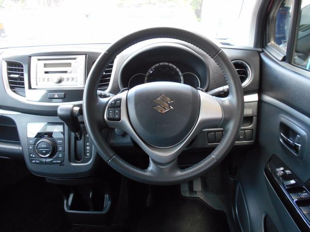 スズキ ワゴンRスティングレー T 黒革調シートカバー LEDエクステリア CVTターボ