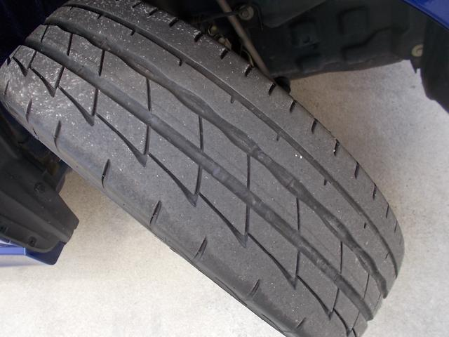 前タイヤです!タイヤの溝もまだまだありますよ!