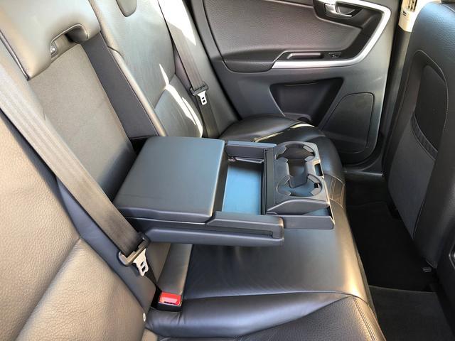 「ボルボ」「ボルボ XC60」「SUV・クロカン」「福岡県」の中古車34