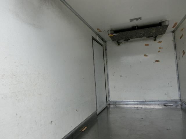 三菱ふそう キャンターガッツ 冷凍車