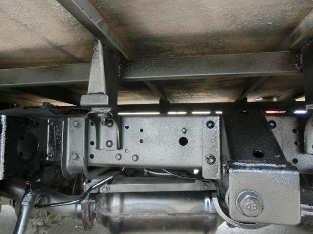 UDトラックス コンドル 平ボデー 4WD