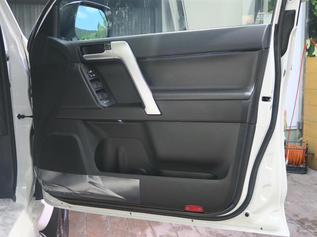 TX Lパッケージ・ブラックエディション 登録済未使用車 セーフティセンス サンルーフ ルーフレール クリアランスソナー レーダークルーズ LEDヘッド スマートキー 純正18インチアルミ オートマチックハイビーム(28枚目)