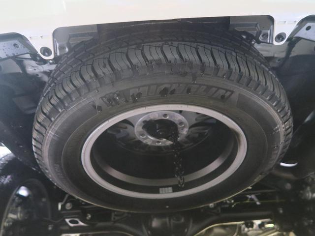 TX Lパッケージ・ブラックエディション 登録済未使用車 セーフティセンス サンルーフ ルーフレール クリアランスソナー レーダークルーズ LEDヘッド スマートキー 純正18インチアルミ オートマチックハイビーム(58枚目)