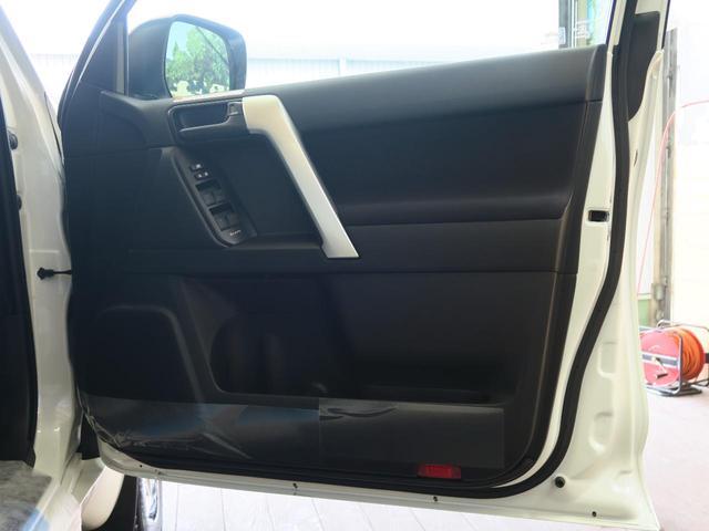 TX 登録済未使用車 4WD ディーゼル 7人乗り 電動ムーンルーフ クリアランスソナー ルーフレール LEDヘッド 禁煙車 純正17インチアルミ レーンアシスト(32枚目)