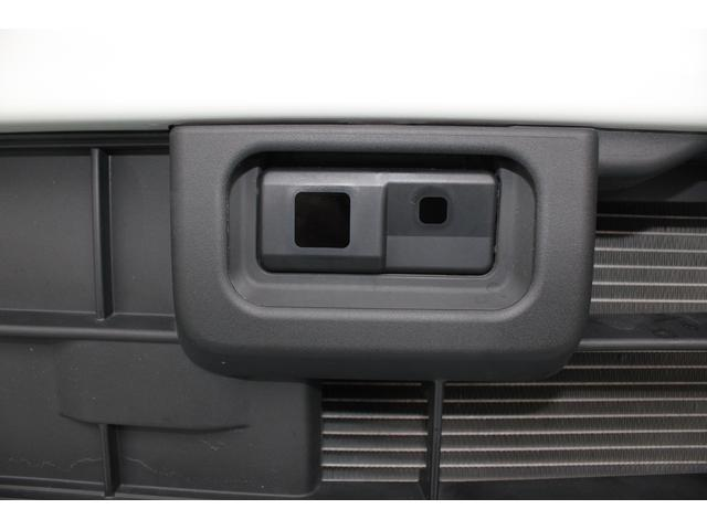 スマアシ搭載車。運転中の「ヒヤッ」とするシーンで衝突回避の支援や被害の軽減を図り、安全運転を支援します。