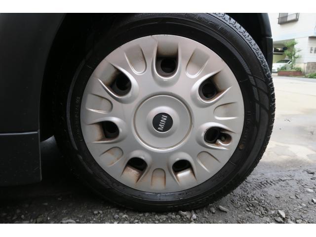 タイヤは、ブリヂストンECOPIA、175/65R15です