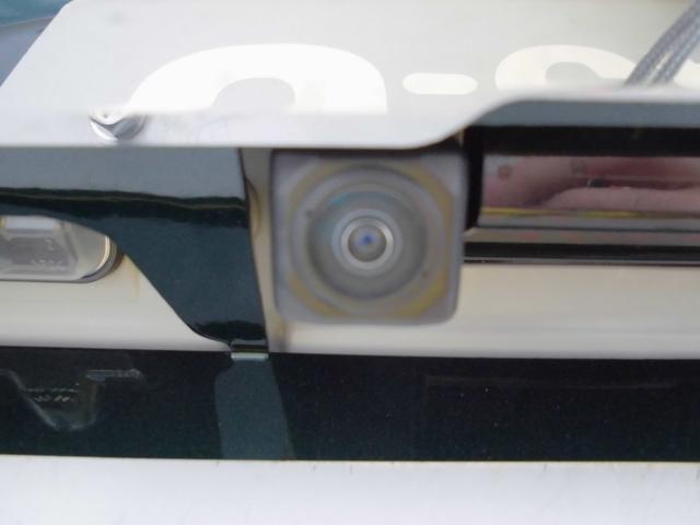 バックカメラ付きです!駐車が苦手な方も安心です!