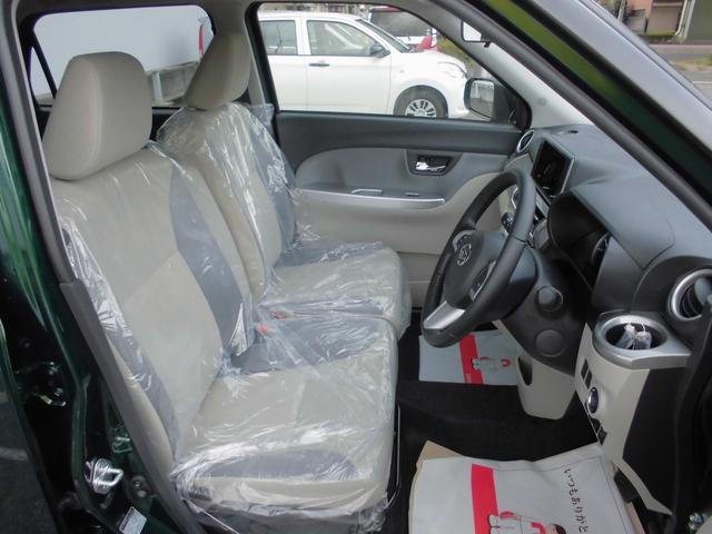 運転席は足元が広くのりおりらくらくです!