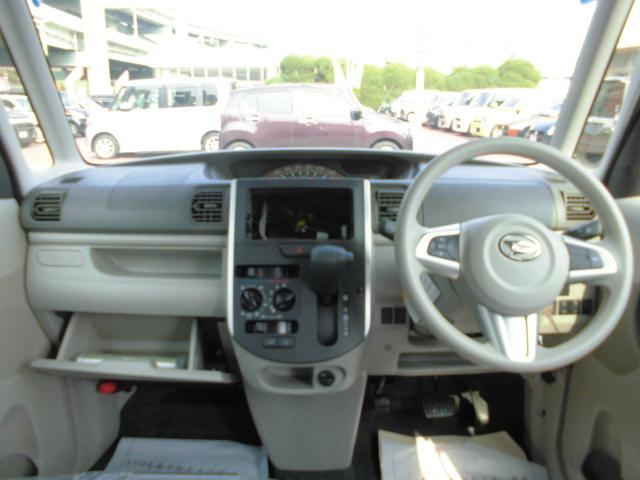 運転席は窓が大きく運転もしやすいです!