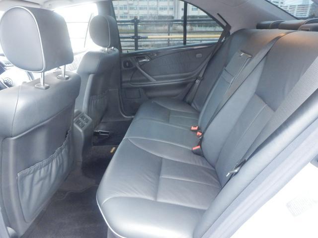 E240 アバンギャルドリミテッド ナビ 革シート アルミ(12枚目)