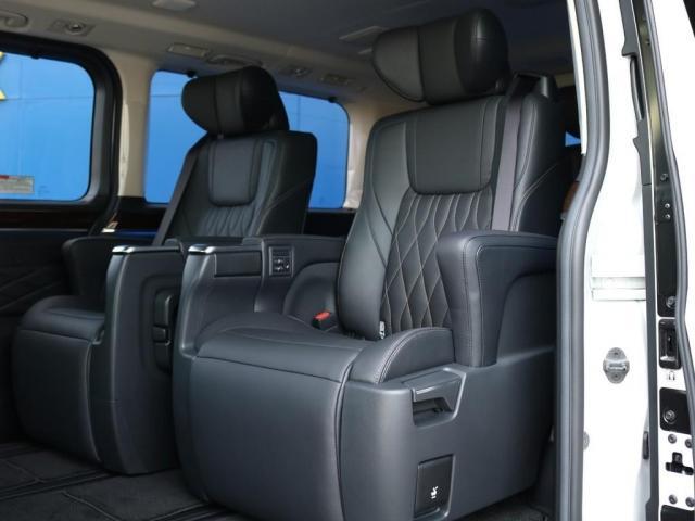 プレミアム Premium 6人運転席8ウェイパワーシート&助手席4ウェイパワーシート(快適温熱シート)エグゼクティブパワーシート(リヤ席1列目2列目快適温熱シート)本革+木目調ステアリングステアリングスイッチ(8枚目)