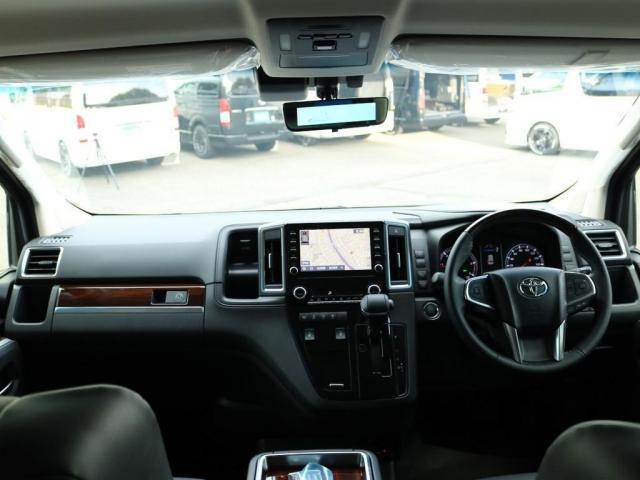 プレミアム Premium 6人運転席8ウェイパワーシート&助手席4ウェイパワーシート(快適温熱シート)エグゼクティブパワーシート(リヤ席1列目2列目快適温熱シート)本革+木目調ステアリングステアリングスイッチ(12枚目)