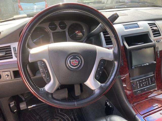 「キャデラック」「キャデラックエスカレード」「SUV・クロカン」「大分県」の中古車32