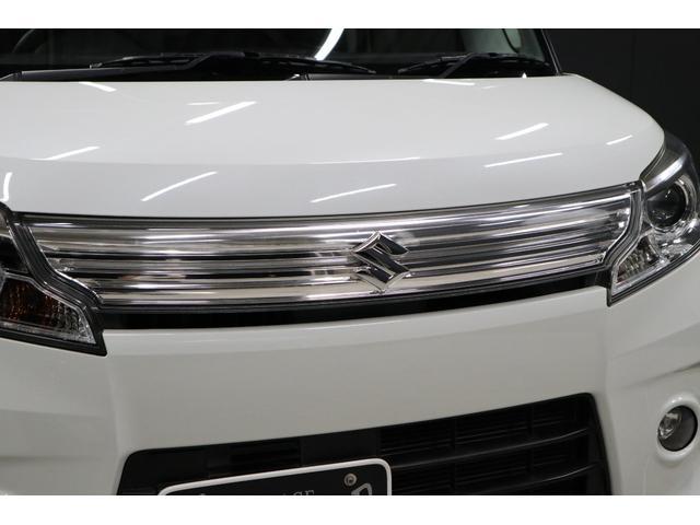 こちらはスズキ車のカスタムモデルに良く採用されている立体的なフロントグリルなのですが、とてもスタイリッシュでカッコイイです。