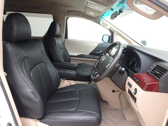 ご覧の通りシートには、本革と見間違える位質感の良いクラッツィオ製本革調シートカバーを装着しています。座り心地が良いだけでなくとっても豪華です。