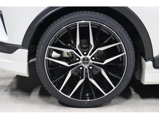 先程もご説明しましたが、ホイールはBADX製の新作モデル、マルチフォルケッタTR5(ブラックポリッシュデザイン)の20インチホイールを今回新品で装着しています。もちろんタイヤも4本新品です!