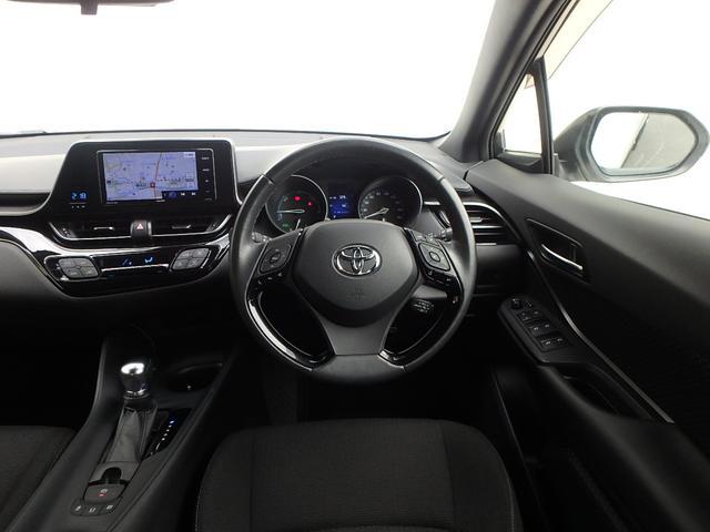 運転手席に座るとこの様な感じです。C-HRの快適な走りをお楽しみ下さい。
