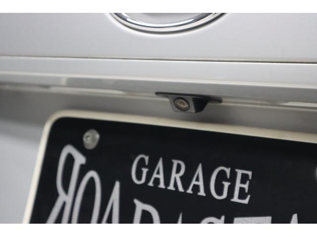 当然ですがバックカメラも標準装備で付いています。これさえ有れば駐車場の車庫入れも楽々です!