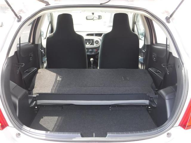 【シート】リヤシートを倒せば、広大なスペースが生まれます。長尺物もラクラク積めちゃいます!