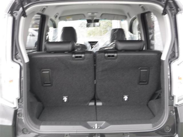 バックドアからの後部座席です♪荷物を収納したいときにしっかりお使いいただける空間を確保できます☆