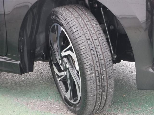 届出済未使用車なのでタイヤの溝ももちろんしっかりございます♪