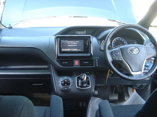 トヨタ ヴォクシー ハイブリッドV電動スライドナビ後席モニター7人乗トヨタ保証