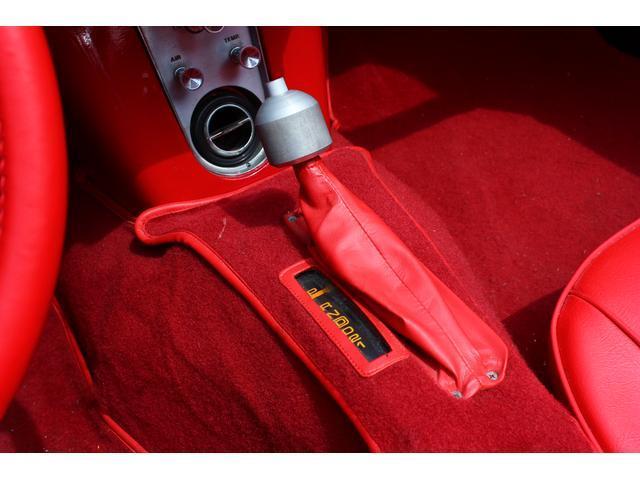 C1 61モデル レストア車 AT 左ハンドル 赤革 車高調(18枚目)